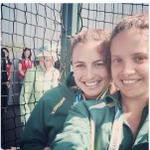 RT @RyanJL: Love! Her smile! RT @BuzzFeedUK: The Queen just photobombed a selfie at the Commonwealth Games http://t.co/iMFGxjg9Oe http://t.co/GAob7jaiVi