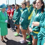The Queen meeting the Aussie Hockey team @Hockeyroos at the National Hockey Centre today @thecgf http://t.co/B18FZ2Ps01