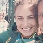 Queen PHOTOBOMBS Commonwealth Games hockey star taking Instagram selfie http://t.co/3ohW7tVZL6 http://t.co/pfZzp4Dmrg