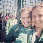 "Incase you havnt seen it. ""Queen photo bombing the girls selfie"" @Hockeyroos #commgames http://t.co/hEIRp1v9i3"