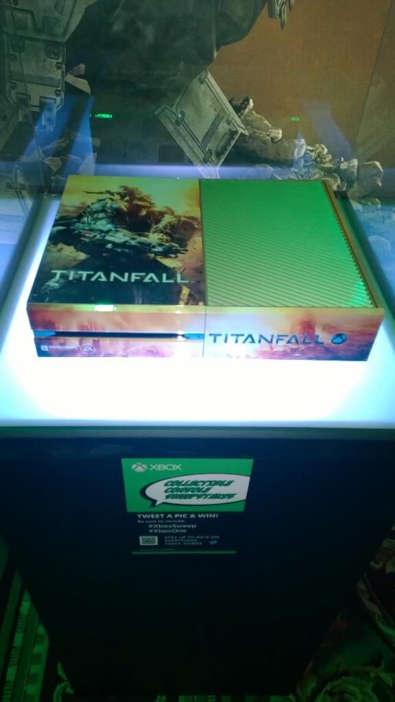 And Titanfall... #SDCC http://t.co/Z2r1JjhHb8