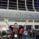 RT @Andrucaaa: Im so happy! :D #SurviveTheRealm. #GameOfThrones #SDCC http://t.co/XH0mkp08C6