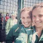 The Queen photobombed a selfie at the Commonwealth Games http://t.co/d4cvOszLjb http://t.co/EW0BQHErFH