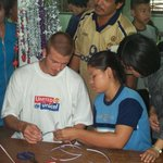 RT @MU_Foundation: Heres an #mutour #throwbackthursday from the 2001 pre-season trip to Thailand with a youthful David Beckham #tbt http://t.co/lKiCZr0JNy