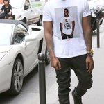 He has on a shirt of himself wearing that same shirt of himself wearing that same shirt of himself... http://t.co/QNGUsayAlR