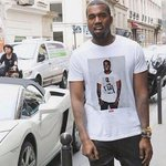 RT @DOPEITSJUAN82: Kanye the only nigga that can wear a shirt of himself wearing a shirt of himself ???? http://t.co/x84Z7nAkPT