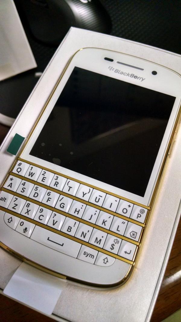BlackberryQ10 Special Editionかっこよすぎて濡れる http://t.co/8v9TlBK5Ha