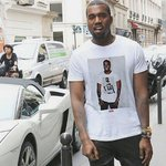 "RT @GoRockRock__: ""@SmokeyComedyy: This nigga Kanye wearing a shirt of Kanye wearing a shirt of Kanye. ???????? http://t.co/PVL5Mqkuw4"" DOPE"