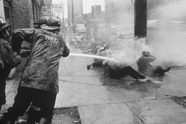 Civil rights protesters getting hosed. Birmingham, Alabama, 1963 http://t.co/BXGKifOWNa