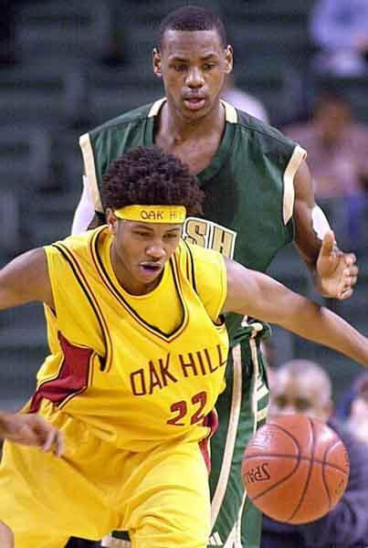 Carmelo Anthony and Lebron James in High-school #TBT http://t.co/3rQFQpXlIV