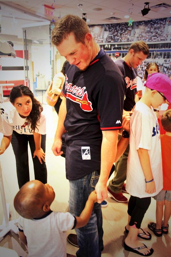 It's nice to have someone to look up to that will also hold your hand. Thanks for visiting us @kimbrel46 and @Braves! http://t.co/vBa5hr0UGH