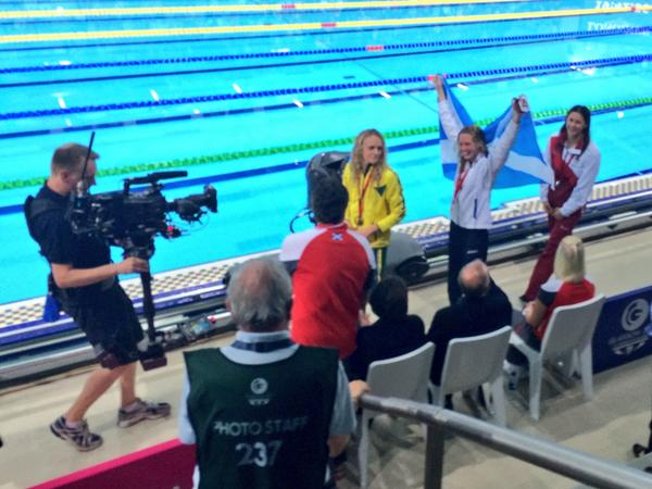 RT @NickHopeBBC: Scotland's @HannahMiley89 celebrates her 400m IM gold with fellow medallists @aimee_willmott & Keryn McMaster: http://t.co…