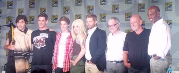 Thanks Under the Dome cast! @RachelleLefevre @Mike_Vogel @deanjnorris @colinfordactor and all @UnderTheDomeCBS #sdcc http://t.co/qABIObwV6I