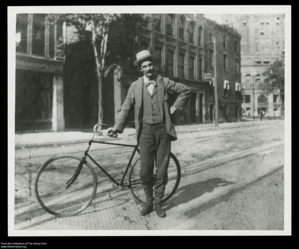 Happy #DetroitBday! Here's a favorite photo of ours - Henry Ford riding to work in Detroit, 1893. http://t.co/dfEpq5G5r0