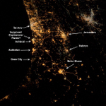 RT @DrDigiPol: SADDEST PHOTO EVER... FROM SPACE - Astronaut tweets pic of explosions in Gaza/Israel conflict. http://t.co/9mYtethbVw http://t.co/JXobyCtded
