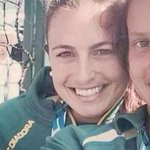 Go the Queen! RT @NZStuff: Queen photobombs Australian hockey players selfie at Games http://t.co/aQXFplWthG http://t.co/8GkQDMdpop