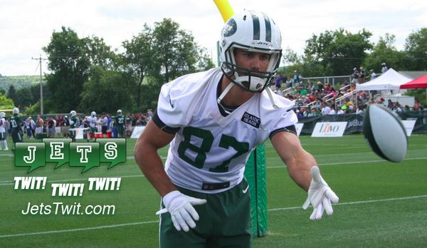 Picture I took of @EricDecker87 today at #JetsCamp.  He was playing catch with the kids (only player to do it). http://t.co/lldM5h7Zml