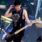 RT @WYRFiveSOS: Would You Rather RT: Calum finger you like his bass FAV: Ashton bang you like his drums http://t.co/gzyv7Xf6M0