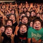"RT @nntm5SOSIII: ""@styIesftmichaeI: #LukeUnfollowedAcaciaFollowParty RAISE YOUR HAND IF YOURE HAPPY LUKE UNFOLLOWED HER http://t.co/1CSRZHY8Wf"""