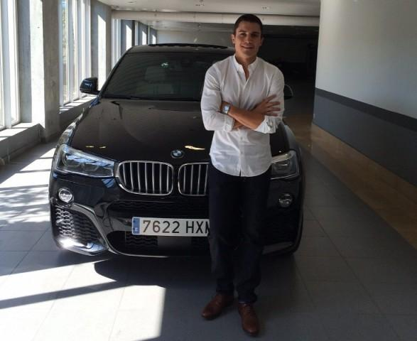 Alex González (@alexgonzalezact) se ha dejado atrapar por el nuevo #BMWX4. Un placer tenerte por aquí Alex ¡disfruta! http://t.co/fMcP9w91VT