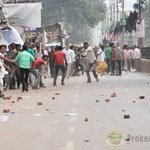 Shia Muslims and Sunni Muslims clash at Lucknow, UP during Ramzan procession. RAF deployed. @manishBJPUP http://t.co/09tiVk976f