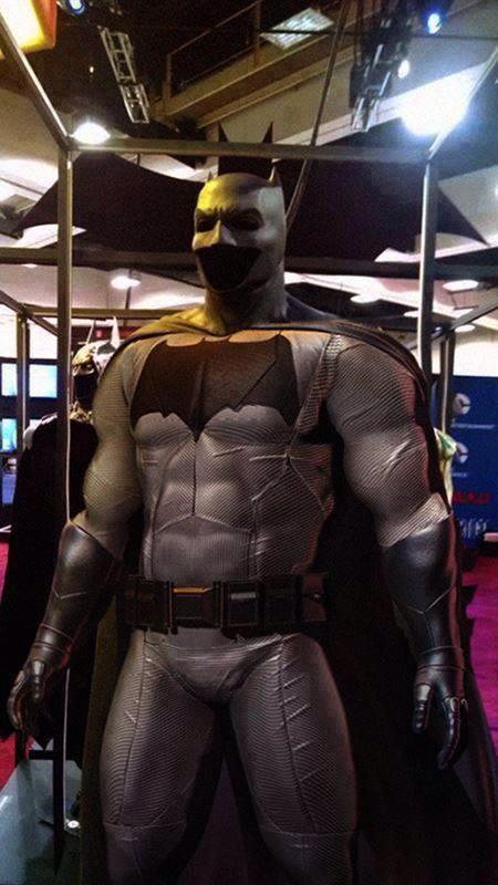 Full Batman Vs Superman Batsuit Revealed At Comic Con