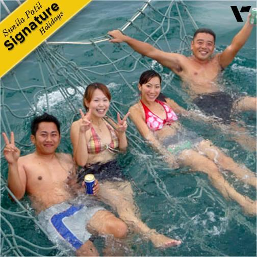 A new way to enjoy the sea! Enjoy a saltwater Jacuzzi on a sunset cruise in #Langkawi.