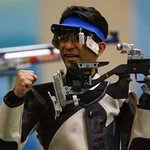 RT @FirstpostSports: GOLD FOR BINDRA with total of 205.3. Bangladeshi Baki silver with 202.1. #CWG2014 Live: http://t.co/H7I18OLtrb http://t.co/VQsRajnJHq