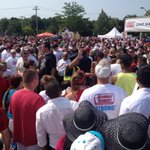 RT @KaitlinFlanigan: Police, protesters help girl who needed medical attention at #MarketBasket rally leave the crowd http://t.co/VHqoqNGENW