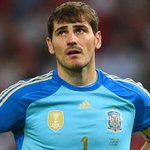 Its now just 6/4 that Iker Casillas signs for Arsenal this transfer window. What do you think of that Arsenal fans? http://t.co/9OBV5HlNS8