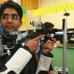 RT @adgpi: Indian Army Stars at Glasgow : Lt Col Abhinav Bindra wins Gold Medal in Mens 10m Air Rifle. #IndianArmyatCWG http://t.co/OsxlEgAns8