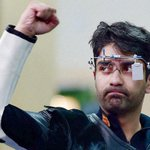 RT @IExpressSports: #abhinavbindra bagged the 10m Air Rifle gold medal at #Glasgow2014. Read more: http://t.co/mAI7r7Q0Q5 http://t.co/lm1gRwDAfN