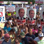 Market Basket Board Meets As Workers Stage Huge Rally http://t.co/fldeTBMfaX http://t.co/W2Ocmc85i5