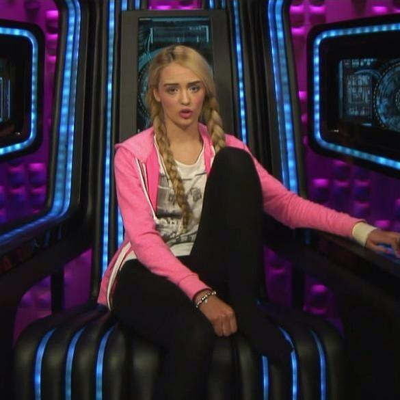 Everyone save ashleigh and evict Steven, call: 6 50 58 13 Mobile 090 20 44 58 13 Landline #BBUK http://t.co/HEIUm6fwB7