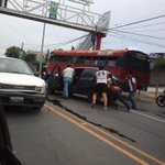 RT @ross_sierra: Accidente frente al parque la democracia #tráficogt @amilcarmontejo http://t.co/LdU2g08vGC