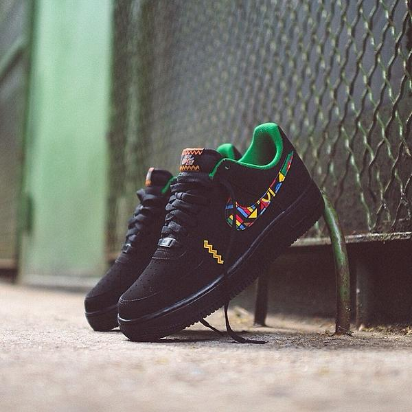 "Better look at the Nike AF1 ""Urban Jungle"". Grab a pair here: http://t.co/TuzbVcLm2M  http://t.co/RTmrHc7i7v"