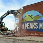 Twin Peaks Mall demolition begins in #Longmont http://t.co/mRDdZ9TpJm http://t.co/Zof5HyprdC