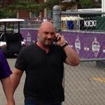 What does it mean when @JayGlazer arrives at camp on a cell phone? #Vikings #BreakingNews? http://t.co/qB5JZ8dV2d