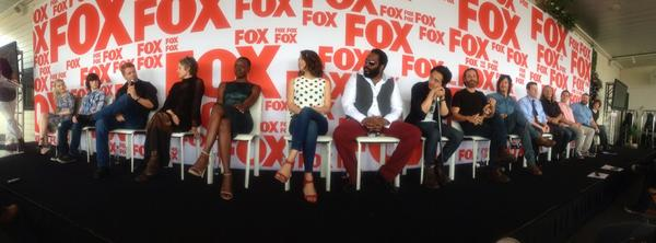 The cast of The Walking Dead at #SDCC #foxcomiccon http://t.co/Oftqzq8NuM