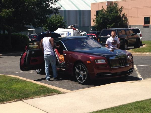 LeSean McCoy wins the best car of the day award #Eagles