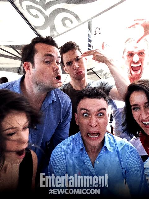 .@TheBruun & @tatianamaslany epic faces, @AriMillen looking scared, @DylanBruce is a vampire, @JordanGavaris too cool http://t.co/bpNyzUfPQi