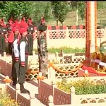 RT @ANI_news: Kargil Vijay Divas : Lt.Gen DS Hooda pays tribute to Kargil martyrs in Drass Sector http://t.co/BUH5FU16Fx
