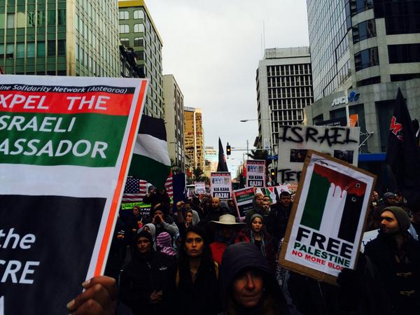 Thousands of Kiwis of every kind believing that peace IS a right for all. #NZ4Gaza #Gaza http://t.co/OWje3h2h3A