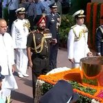 RT @DDNewsLive: Defence Minister pays homage to Kargil martyrs at Amar Jawan Jyoti; War memorial for Kargil martyrs to be constructed http://t.co/tmj1H9niWS