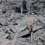 Total destruction in Shejaiya - rescuers take opportunity to look for bodies as ceasefire holds http://t.co/Es2KsuGTuT