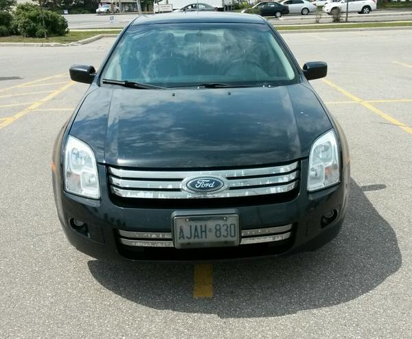Nice parking. http://t.co/gQByTfxmph