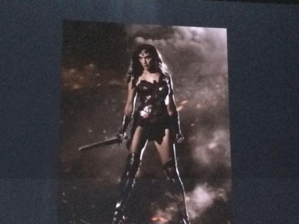 Our first photo of Gal Gadot in Wonder Woman armor, I think http://t.co/GN4khbayPd