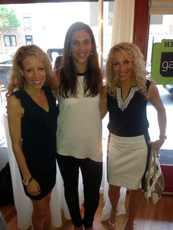 So much fun to hang with the amazing 2X Olympic medalist @CarliLloyd- cool chick& idol! - at @gardein event! #teamUSA http://t.co/dZe7dYgyA6