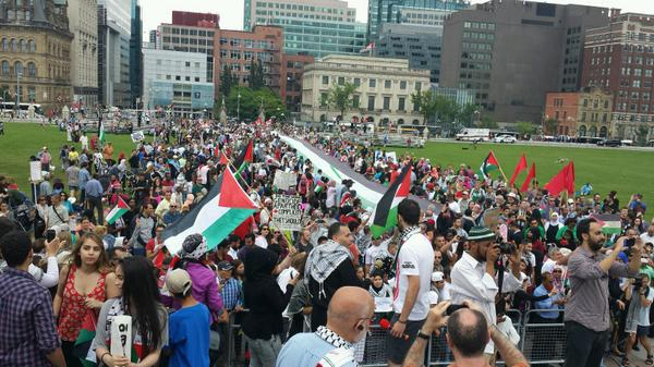 """@IndJewishVoices: Ottawa stands with Gaza. This is Parliament Hill right now. #GazaUnderAttack #cdnpoli http://t.co/RWM8w9xDIv"""""