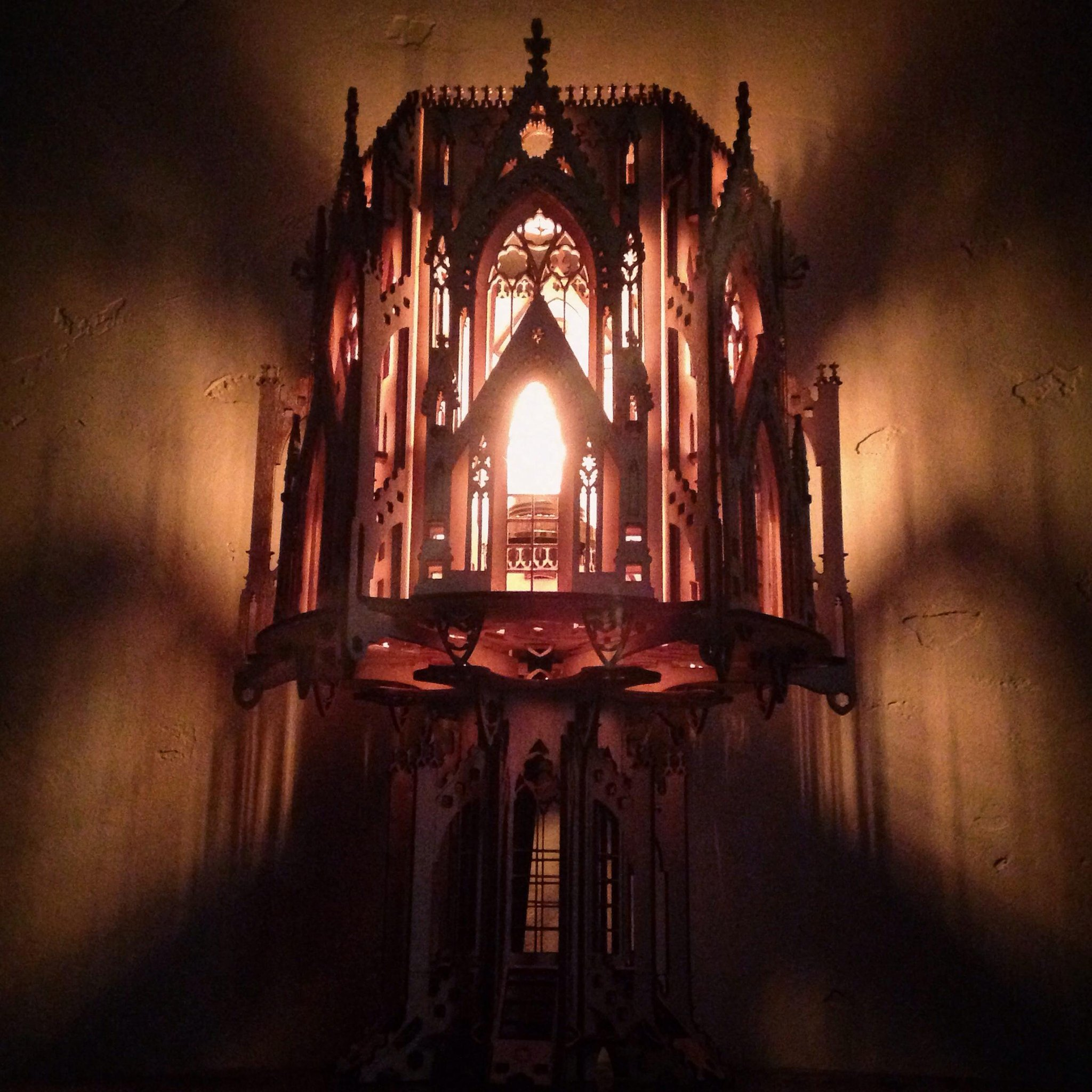 ...and my new wooden gothic-architectural puzzle-lamp is complete! #DIY http://t.co/xCfH1LSe8T
